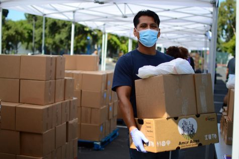 Due to the COVID-19 pandemic, food banks across the Bay Area need to provide food to twice the amount of people as pre-pandemic times.