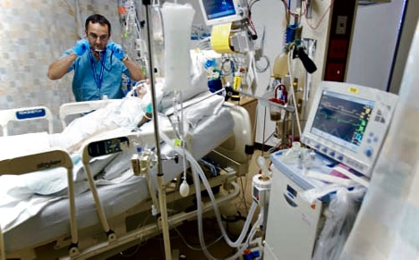 """Patients in need of high amounts of oxygen therapy may use a mechanical ventilator and are cared for in the ICU,""  Gordon said."