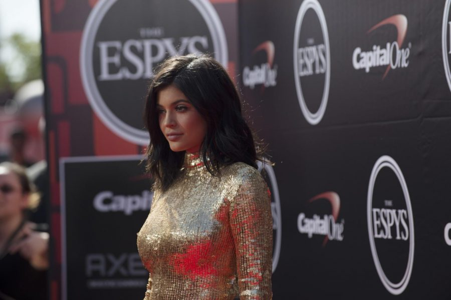 Kylie+Jenner%2C+a+successful+businesswoman+is+now+facing+controversy+after+asking+fans+to+donate+to+a+GoFundMe+page.