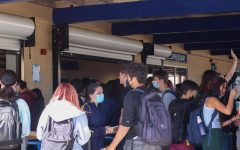 """Carlmont students rush to the lunch line, creating huge crowds despite restrictions imposed by the administration. Its just really inconvenient for everybody,"""" said Zelia LaPlaca, a sophomore."""