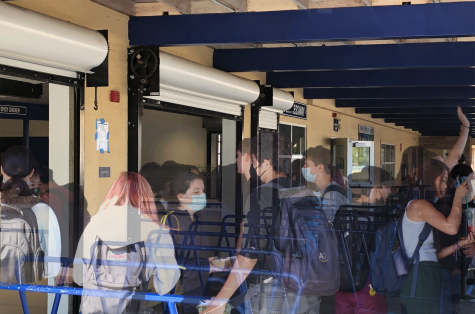 """Carlmont students rush to the lunch line, creating huge crowds despite restrictions imposed by the administration. """"It"""