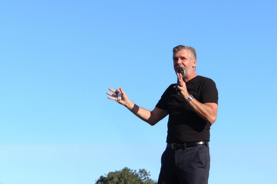 Eddie Slowikowski motivates students to cross their finish lines